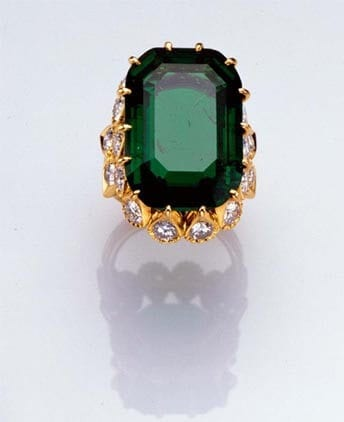 Duchess of Windsor's 19-carat emerald Engagement Ring