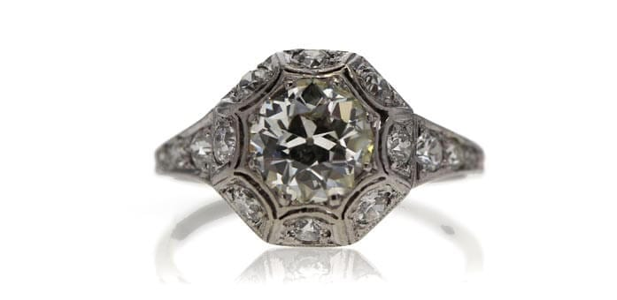 Art_Deco_engagement_ring_auctioned_at_Worthy