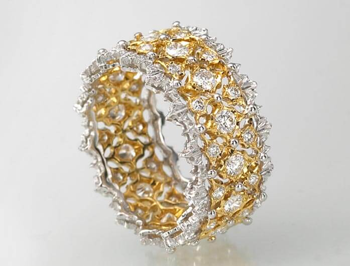 The author's Buccellati ring