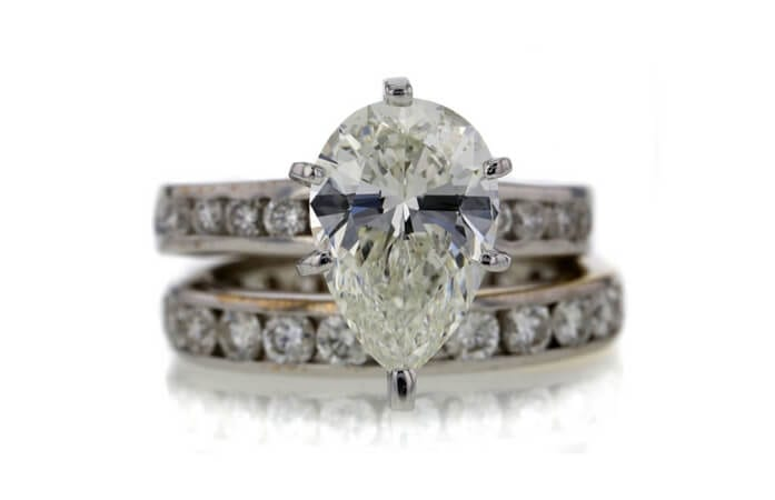GIA 2.51 CT Pear Cut Bridal Set Ring sold at Worthy for $8,797