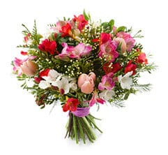 single-moms-gift-guide-flower-bouquet (1)