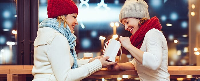5 Ways Gift-Giving Makes You Happy