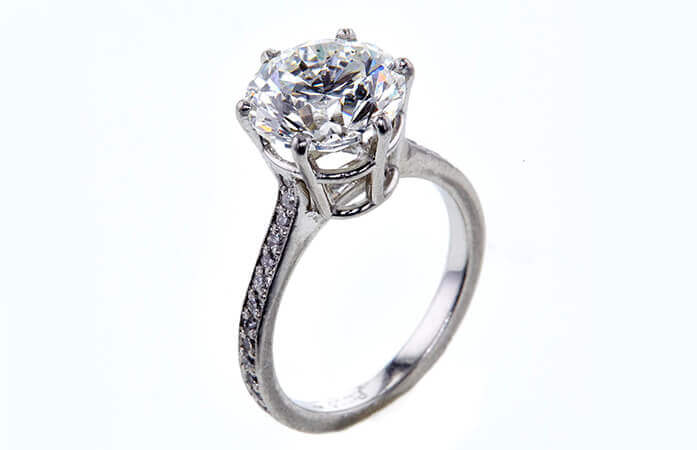 4.01 CT Round Cut Solitaire Ring about to be auctioned at Worthy.com