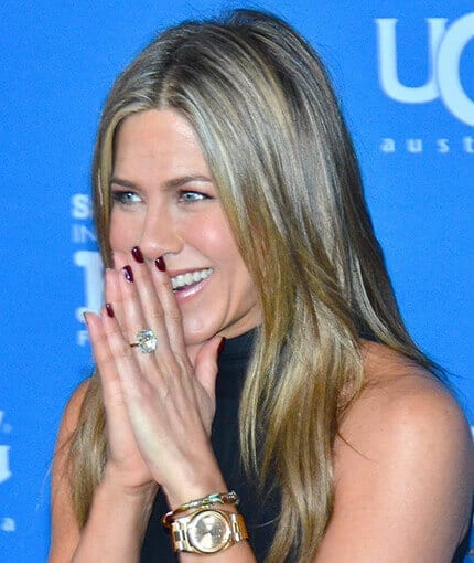 Jennifer Aniston wearing her engagement ring from Justin Theroux. Credit: PR Photos.