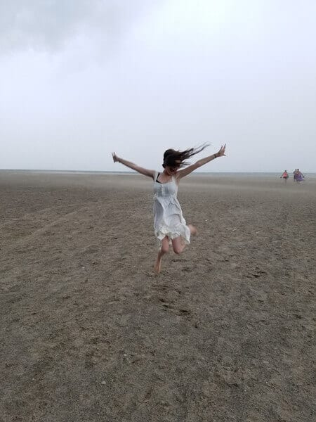 Feeling free on the beach!