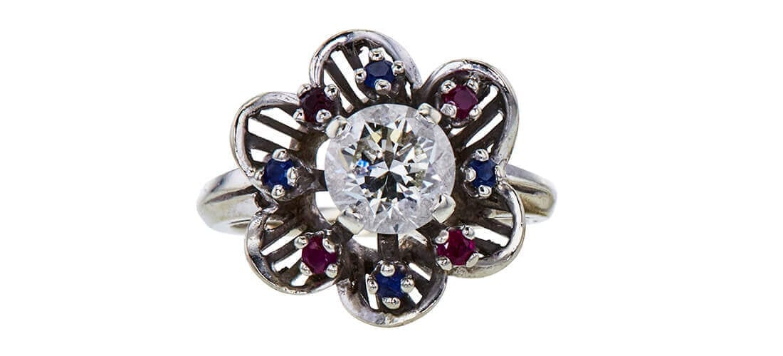 Custom Made GIA 1.60 CT Round Cut Bridal Set Ring. Image source: Worthy