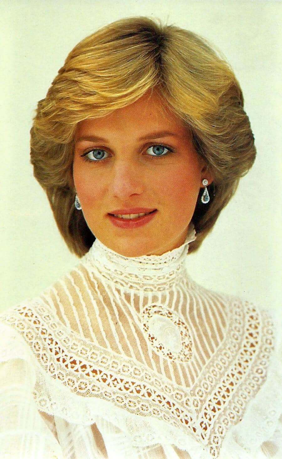 Princess Diana, Sovereign Series No. 4, Royal Family 1982, No. 60 Princess Diana. Another 21st Birthday, Portrait By Snowdon, Published By Prescott-Pickup & Co. Ltd., Made In England