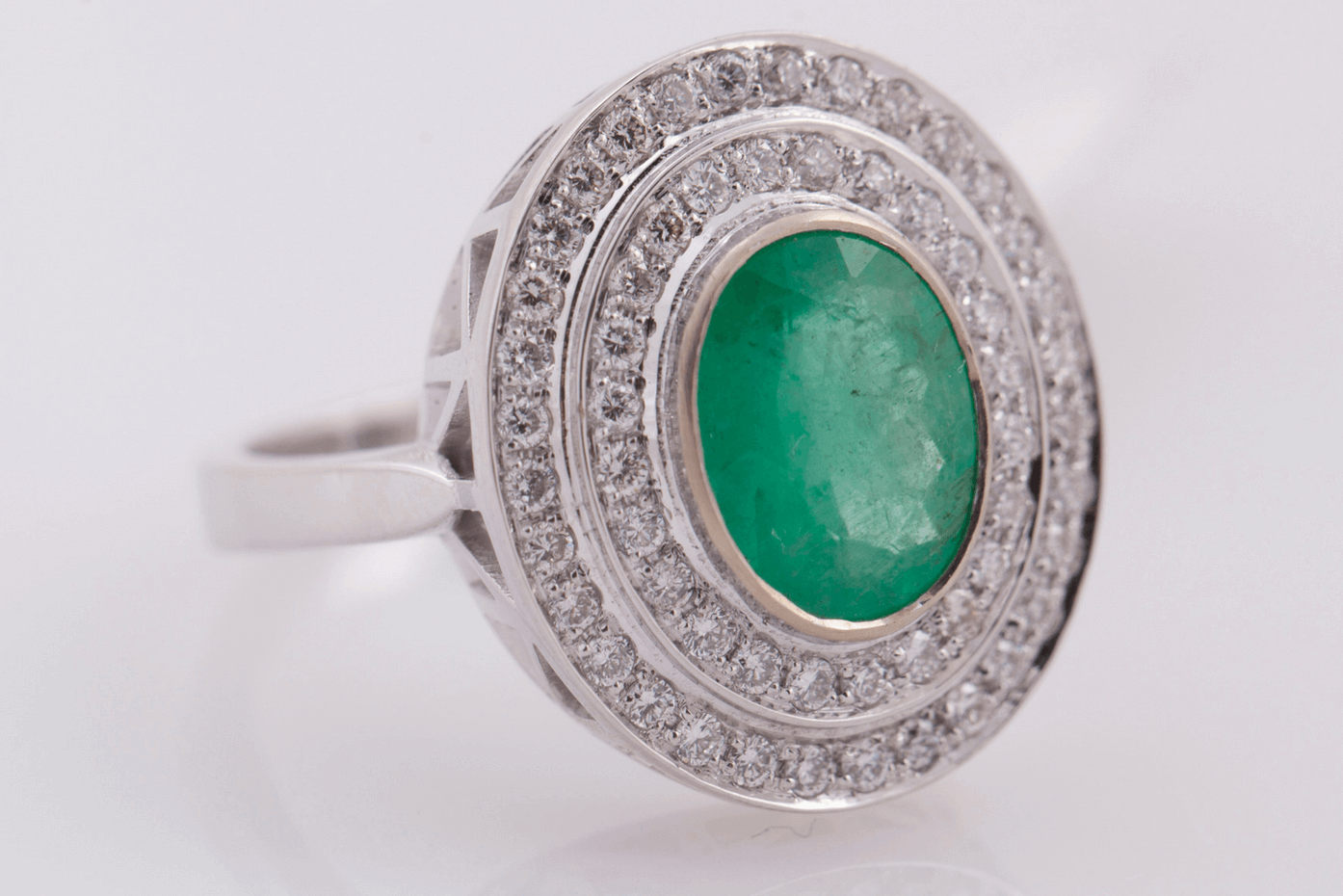 Green engagement ring (1)