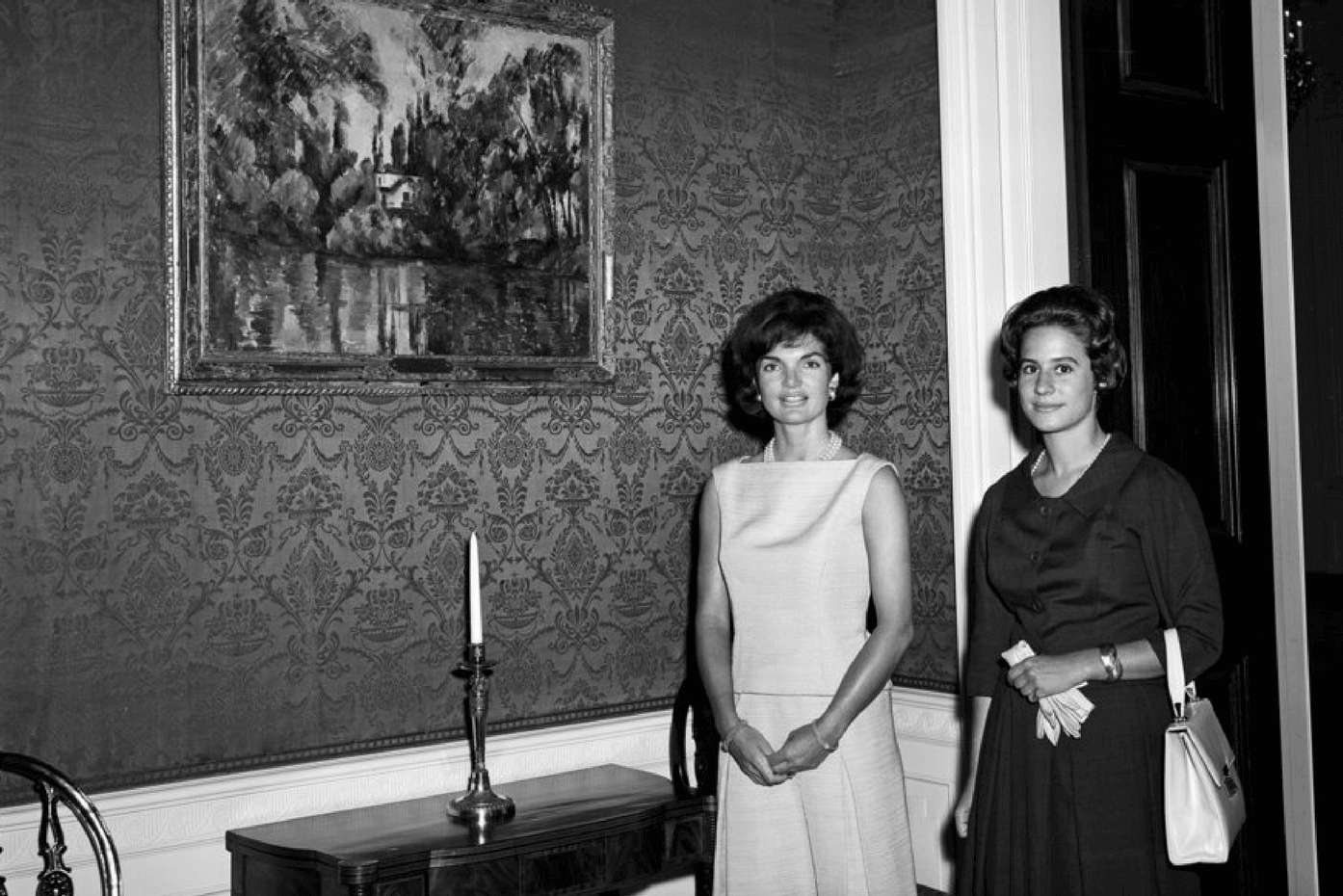Jackie Kennedy with Philippa Calman at the White House in 1961.