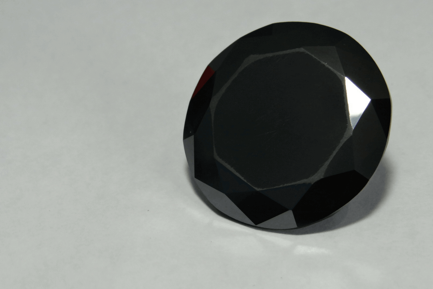 """The """"Shaan-e-Kolta"""" is a rare black diamond with a carat weight of 121.32. It currently resides in India. Photo credit: Prem Singh/CC 4.0."""