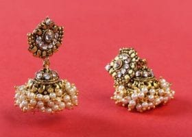 clean_antique_jewelry