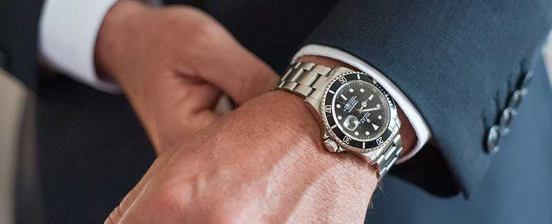 dr no the legendary james bond rolex 6538 auctioned at worthy for 60 000. Black Bedroom Furniture Sets. Home Design Ideas