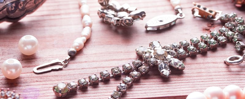 Heirloom Jewelry: What To Keep And What To Sell